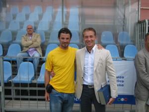 Emanuele Cesaretti con l'arbitro internazionale Paolo Valeri